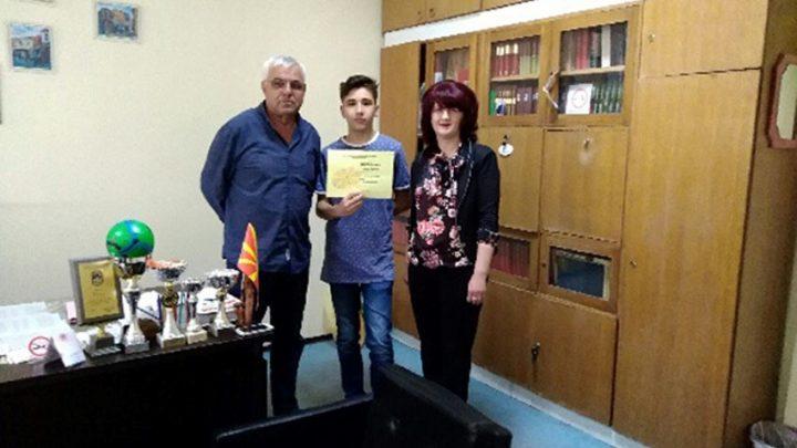 Марко Таневски од IX г одделение ќе ја претставува Македонија на Балканската јуниорска олимпијата по Информатика